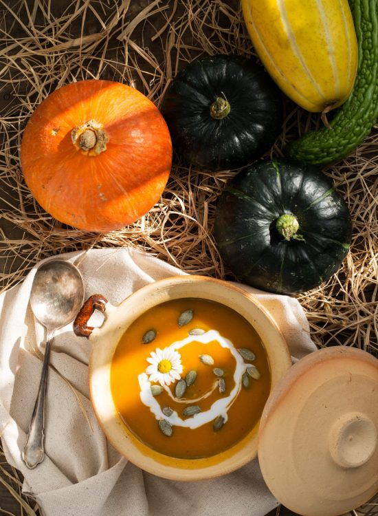 flatlay-photography-of-vegetables-1437655